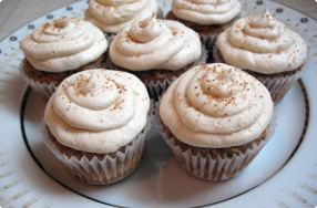 Apple Spice Cupcakes w/ Hot Buttered Rum Icing