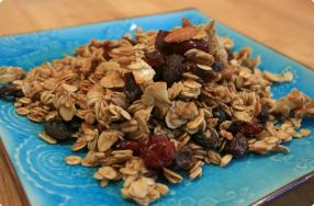 Honey Almond Granola w/ Raisins & Cranberries