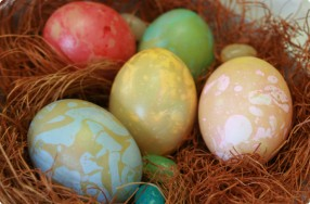 Dyeing & Marbling Easter Eggs