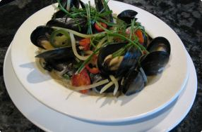 Fragrant Thai Mussels w/ Lime & Green Papaya