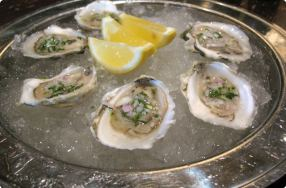 Oysters with Spicy Mignonette Sauce